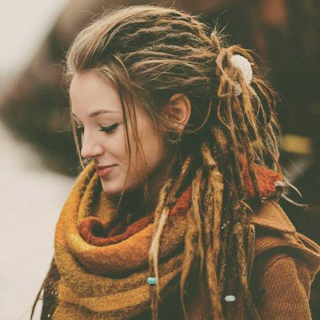Örnek vermek gerekirse dünyanın dört bir yanında insanlar binlerce yıldır saçlarını örüyor.