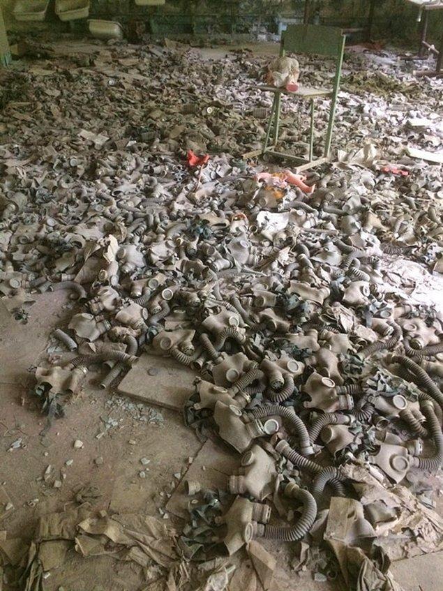 4. Çernobil faciasını anlatan acı görüntülerden bir tanesi... Acı diyoruz çünkü burası bir zamanlar okuldu!