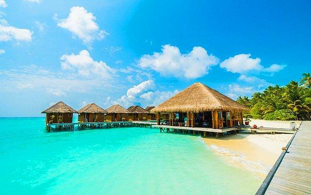 Maldivler'de hayal bile edemeyeceğin bir balayı senin bekliyor!