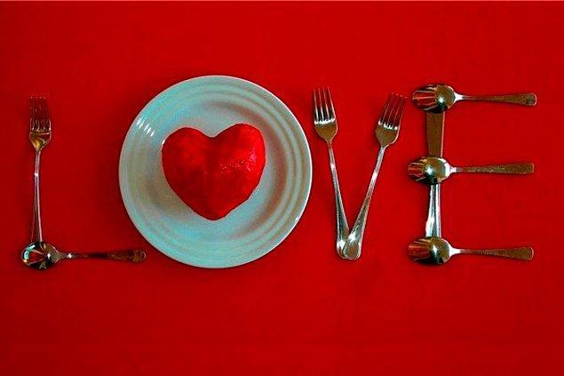 7. Bir Türk çiftin sahibi olduğu restaurantta yemek yemeye gitmiştim ve...