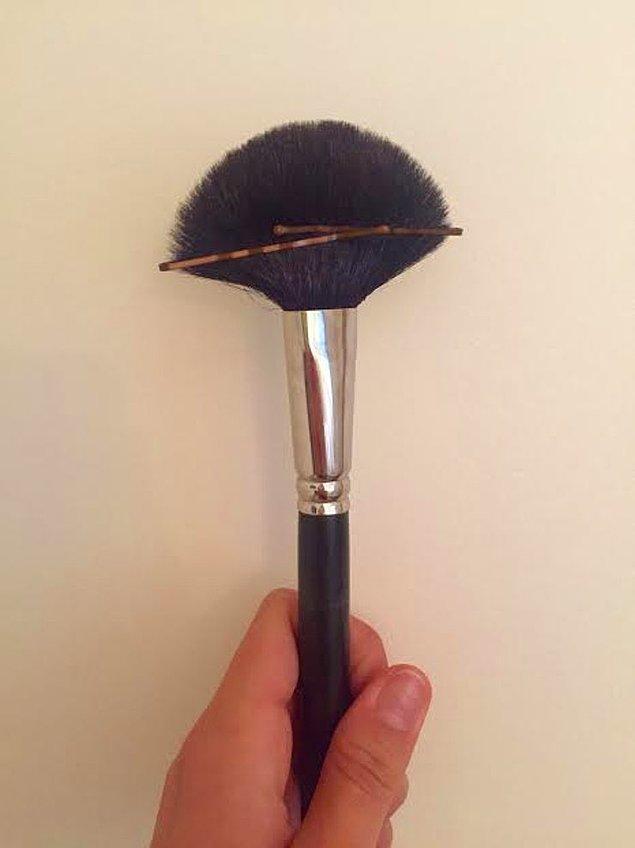 5. Tel tokalarla kendi fırçanızı yapın.