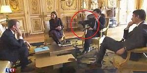 Fransa Devlet Başkanı Macron Kabine Üyeleriyle Konuşurken Arkada Şömineye Çişini Yapan Köpek