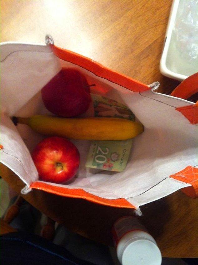 """12. """"Kocandan beslenme çantası hazırlamasını rica ettiğinde:"""""""