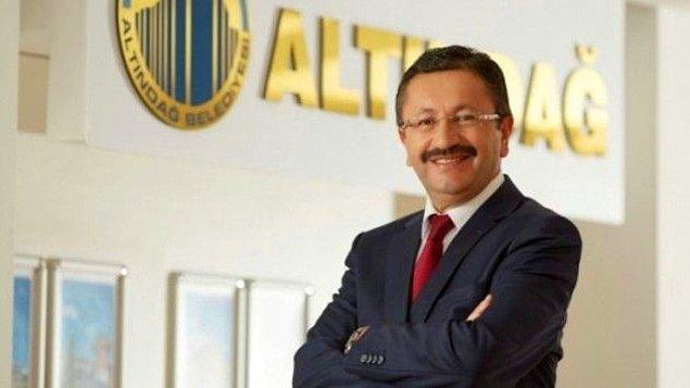 2. Bıyık bıraktığı için neredeyse aynısı olan Altındağ Belediye Başkanı Veysel Tiryaki