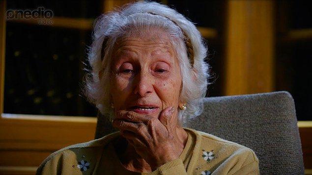 12. Alzheimer hafıza kaybına yol açan aşamalı bir hastalık değildir. Aslında beynimizde fiziksel olarak yer alır.