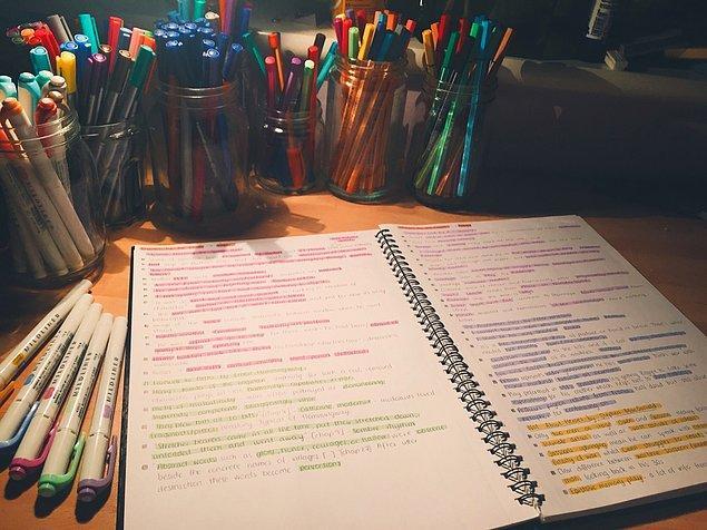 8. Yazarak çalışmanın daha akılda kalıcı olması sebebiyle, tüm o konuları yazmaya meyledersiniz.