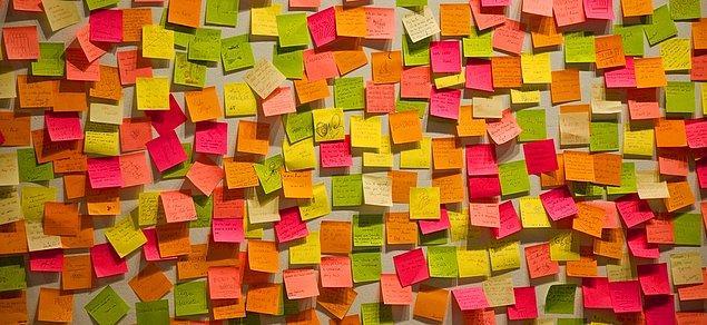 9. Baktınız olmuyor, post-it bu işi çözer diyerek, küçük notlar tutmaya karar verirsiniz.
