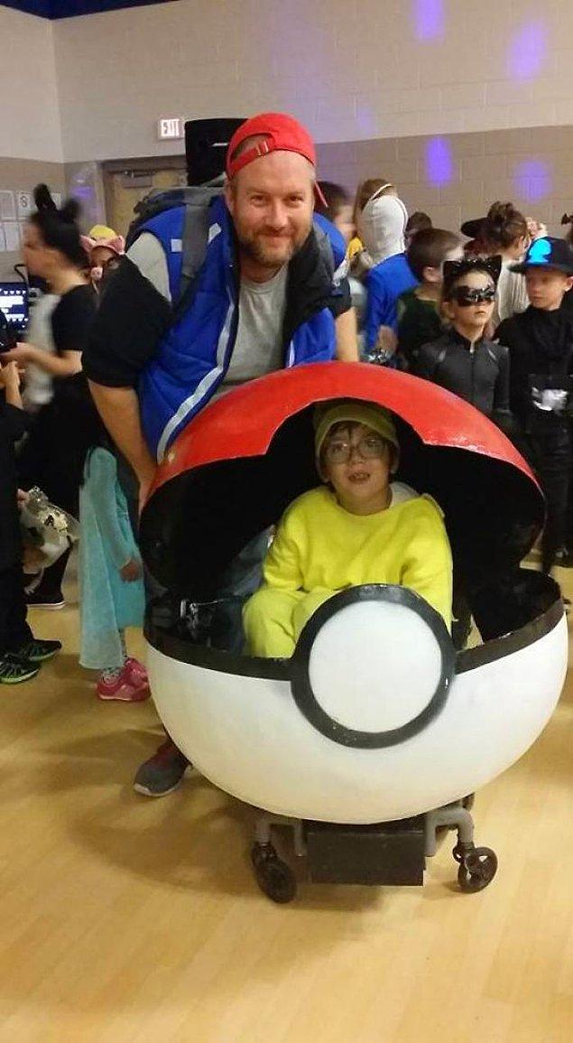 13. Tekerlekli sandalyeli oğluna bu kostümü hazırlayan harika baba 😍