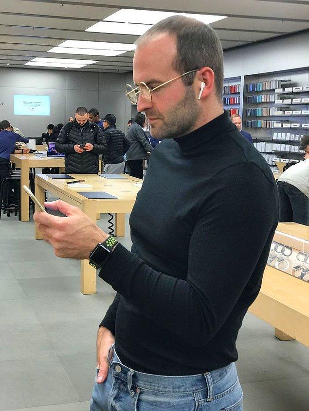 18. Hmm... Acaba Apple Store'da tepkileri nasıl oldu?