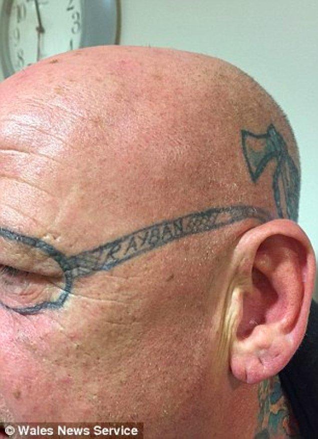 Üstelik gözlüklerin kenarına 'Rayban' yazmayı da ihmal etmemişler. Arkadaş kurbanı şanssız adam adının belirtilmemesi şartıyla röportaj verdi.