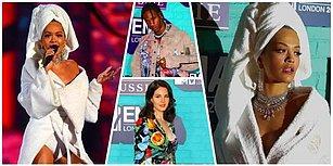 Sunucu Rita Ora Bornozuyla Damga Vurunca, MTV Müzik Ödülleri Törenindeki Herkes Sönük Kaldı!