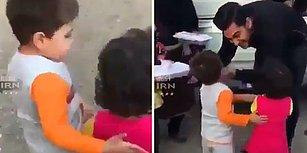 Küçük Arkadaşını Yemek Alması İçin Cesaretlendiren Koca Yürekli Çocuk