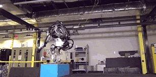 Boston Dynamics'in Robotu Atlas, Ters Takla Atabiliyor!
