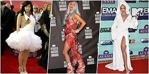 Gözlerinizi Kanatmaya Hazır Olun! İşte Karşınızda Kırmızı Halıda Giyilen Gelmiş Geçmiş En Kötü 21 Elbise
