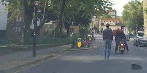 Bir Kadının Çantasını Çalan Motosikletli Gaspçıları Durduran Kahraman Adam