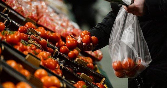 Tüketici fiyatları bazında kasımda en yüksek fiyat artışı yüzde 45,29 ile domateste görülürken, en fazla fiyat düşüşü yüzde 19,95 ile karnabaharda oldu.