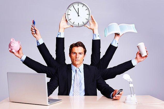 3. Eğer işvereninizin gözünde iyi ve vazgeçilmez bir eleman olmak istiyorsanız, kimsenin yapmaya yanaşmadığı bir işi üstlenin ve iyi bir şekilde yapın.