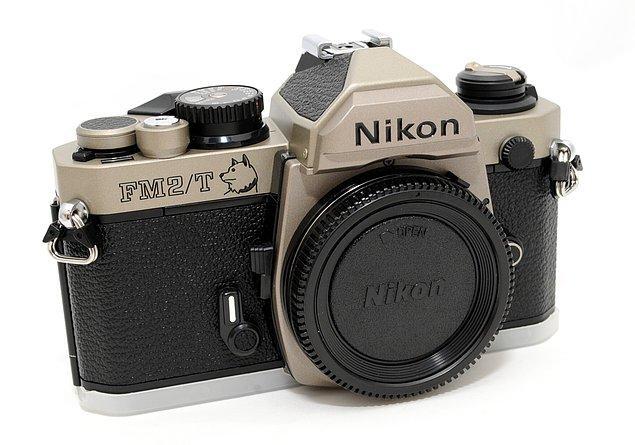 11. İyi bir kamera istiyorsunuz ama bütçeniz mi yok? İkinci el analog makinelere bakın.