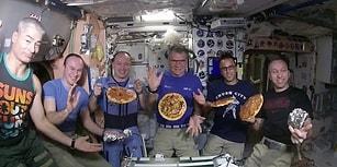 Uluslararası Uzay İstasyonunda Astronotların Pizza Yapıp Yedikleri Eğlenceli Anlar