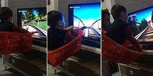 Çocuğuna Sepetin İçinde İlk Hızlı Tren Deneyimini Yaşatan Koca Yürekli Baba