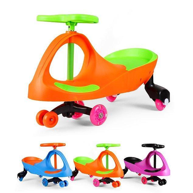 1. 2018'i en tatlı onlar bekliyor; dünya tatlısı çocuklar 😍  İlk bisikletleri olduğu için de fazlasıyla güzel bir model seçtik; Fascol Bobbycar