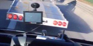 Emniyet Şeridini İşgal Etme 📢 Hasta Taşıyan Ambulansa Yol Vermeyen Trafik Magandası
