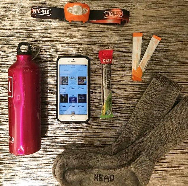 7. Egzersiz yaparken sizi motivasyona götüren sesli kitaplar dinleyin, örneğin Açlık Oyunları!