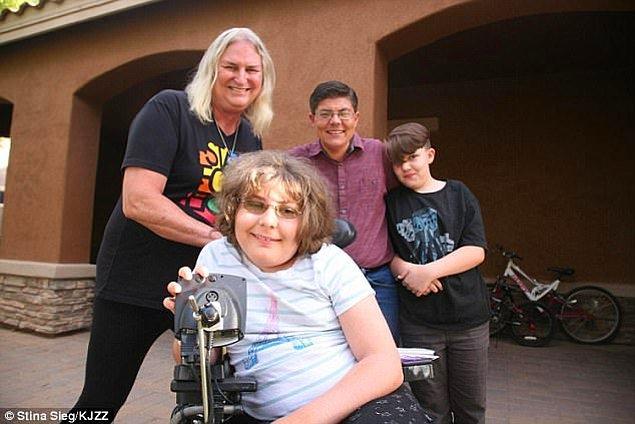 Arizona, Queen Creek'te yaşayan bütün aile transeksüel olduğunu açıkladı.