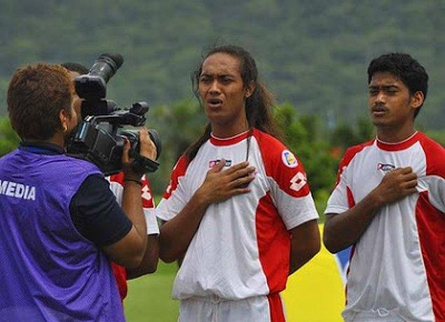 2011'de Dünya Kupası elemelerinde forma giyen transseksüel futbolcunun da bir fa'afafine olduğunu söylesek?