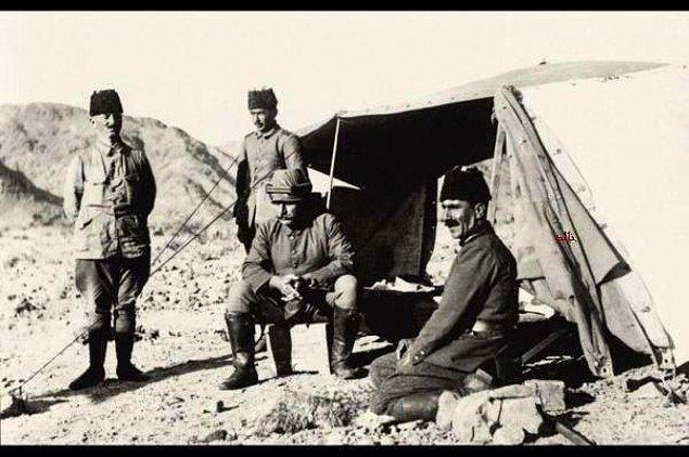 31 Mayıs 1916'da Fahreddin Paşa Medine'ye ulaştıktan birkaç gün sonra Şerif Hüseyin'in İngiliz tazyikli isyanı patlak verdi.