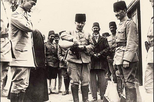 Mevcut durum karşısında Fahreddin Paşa şehrin düşmesi ihtimali belirince, kutsal emanetleri başkente yollamayı kararlaştırdı.