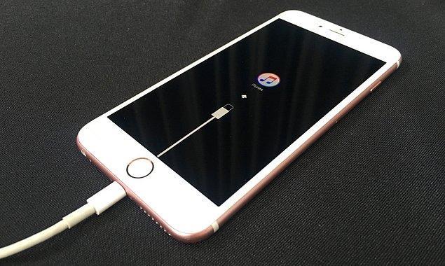 Gelecekte yayınlanacak tüm yeni iPhone modelleri ve iOS sürümleri bir önceki iPhone'u kesin olarak yavaşlatacak.