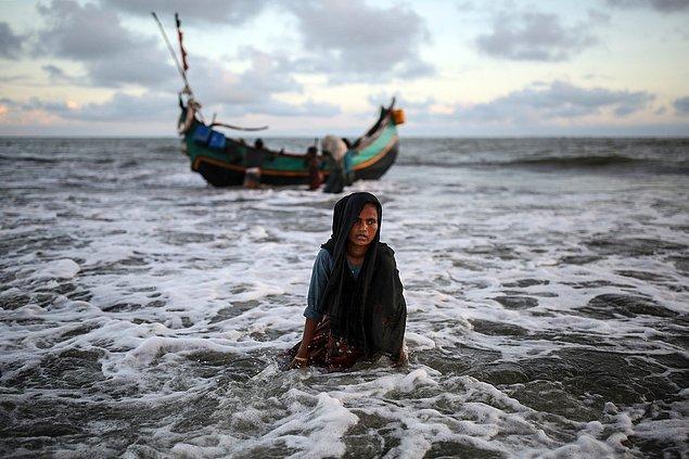 16. Myanmar'dan teknelerle kaçış. 📷 Onur Çoban