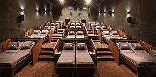 Yatarak Film İzlemeyi Sevenler Buraya: İstinyepark'ta Yataklı Sinema Salonu Açıldı