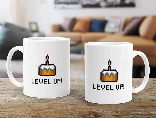 8. Doğum tarihi Ocak ayında olan arkadaşlarınıza düşünmeden alabileceğiniz, hem yılbaşı hem doğum günü hediyesi olacak bu Level Up kupa