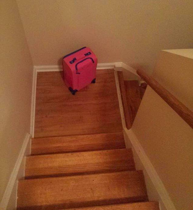 6. Yolculuğa çıkmak istemeyen valiz