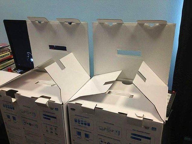 23. Memnuniyetsiz Yetenek Sizsiniz Jürisi gibi bakan kutular