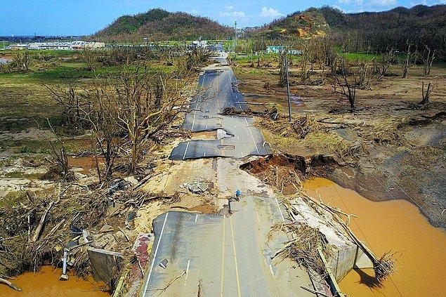1. Porto Riko'yu yıkıp geçen Maria kasırgasının sonrası San Juan, 24 Eylül.