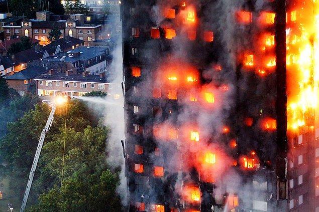4. Londra'da Grenfell Tower binasında çıkan yangına 200 itfaiyeci aynı anda müdahale etti, 14 Haziran.