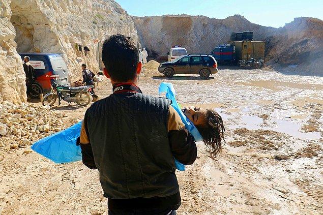 9. Suriye'de İdlib kentine bağlı Han Şeyhun'da ciddi kimyasal saldırı şüpheleri vardı, 4 Nisan.
