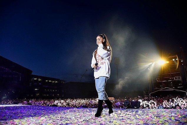 15. Ariana Grande, Manchester konserindeki terör saldırısında hayatını kaybeden 23, yaralanan 512 kişi için yardım konserleri düzenledi, 4 Haziran.