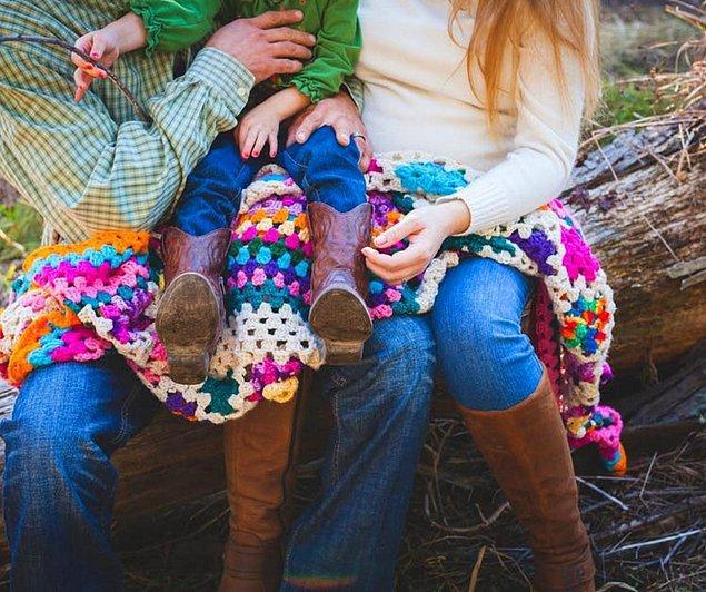 Araştırma ayrıca karşı tarafın büyük stres kaynağı olma durumunun lezbiyen çiftlerde de geçerli olduğunu gösterdi. Ama en büyük stresi yalnız anneler yaşıyorlar.