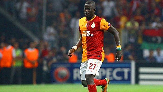 7 sezon Arsenal forması giyen yıldız futbolcu 2011 yılında Galatasaray'a transfer oldu.