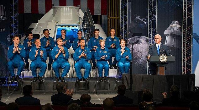 """11. NASA: """"Sonunda diğer gezegenlerle telefon yoluyla iletişime geçebilecek teknolojiye ulaştık. Yalnız karşı taraf çaldırıp kapatıyor. Sebebini hala anlayamadık."""""""