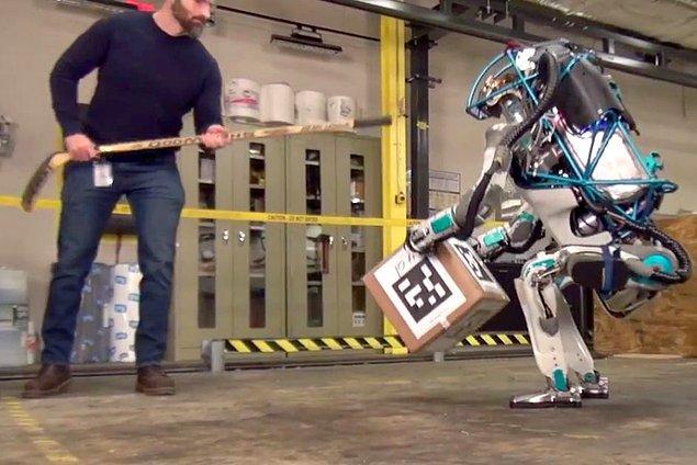 8. Atlas   Ters takla atan robot