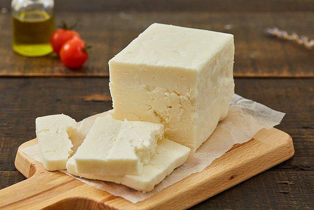 8. Alkollü içki tüketmek isterseniz bu rakamın fırlayacağını biliyorsunuz ama yanına iyi bir Ezine peyniri gerek derseniz kilosu 25 - 45 TL arası.