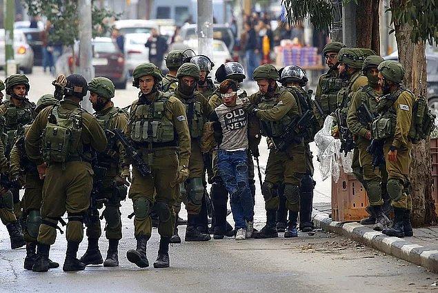 AA'da yer alan habere göre, Ofer Askeri Mahkemesi, Filistinli Cuneydi'yi 10 bin Şekel (11 bin TL) mali kefaletle tutuksuz yargılanmak üzere serbest bırakılmasına karar verdi.