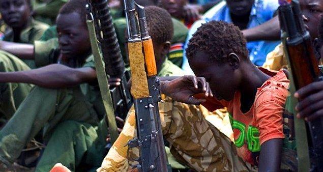 Çocuklar tecavüze uğradı, öldürüldü ya da silahlı gruplara katılmaya zorlandı.