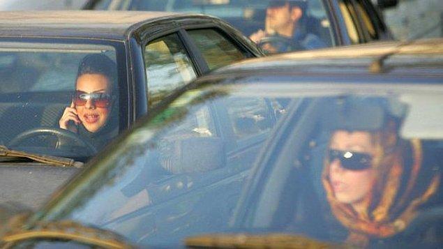 Tahran'da 7 binden fazla gizli ahlak polisi görev yapıyor.