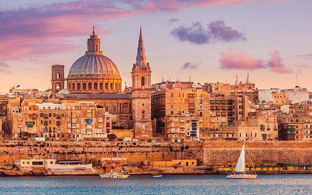 Malta -736 Euro